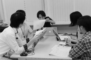 【社会】「ヒョコヒョコ歩くアヒルのよう」 世界と逆行、日本が女性にハイヒールを強制? 海外メディアが一斉批判の理由とは★2©2ch.net YouTube動画>5本 ->画像>41枚