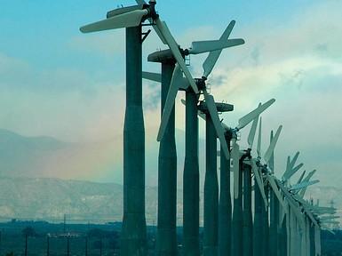 「海に浮かぶ風力発電所」への期待 福島沖などで実験進む