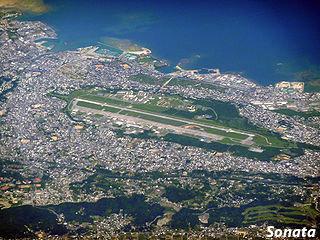 安倍首相、沖縄訪問 各紙の普天間問題に対するスタンスの違いとは?