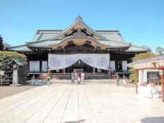 安倍首相、靖国神社に真榊奉納 直接参拝しなくても中韓激しく非難