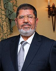 エジプト新憲法承認か-それでも波乱含みな理由