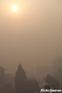 中国の大気汚染問題が長引く理由