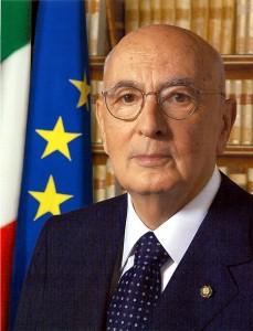 ナポリターノ大統領再選 空転するイタリア国会 出口は?