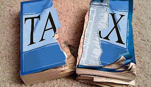 アベノミクス最初のエラー 消費税増税に海外紙から厳しい声