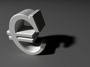 18ヶ月ぶりにユーロ経済回復の兆し 海外紙は厳しい見方