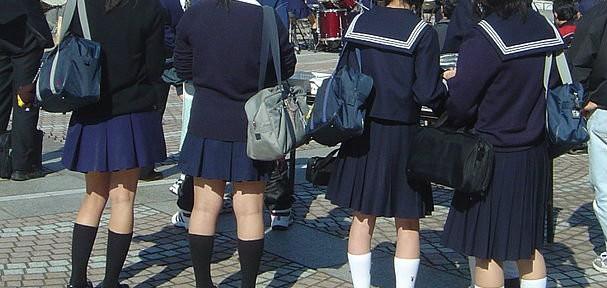 日本の「制服」に、スペインのアニメファンから熱いまなざし