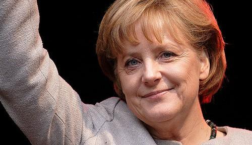 メルケル独首相、「圧勝」したのに苦しい理由
