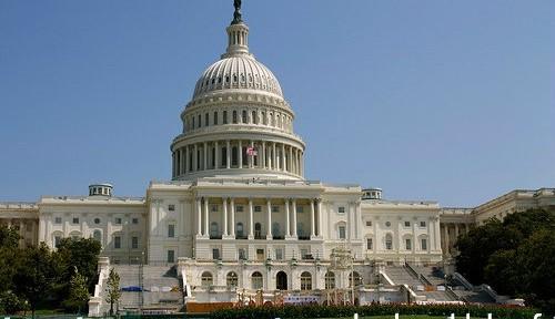 オバマ政権、シリア攻撃をめぐる議会承認に必死