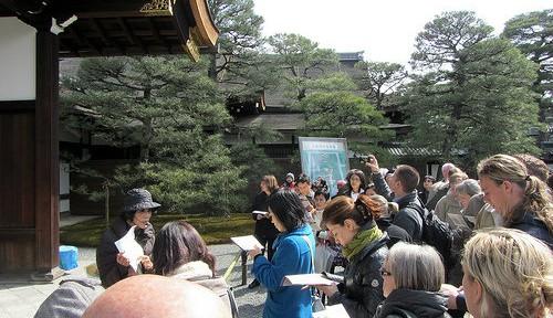 東京五輪で英語力をあげるべし! 海外メディアが日本人に喝