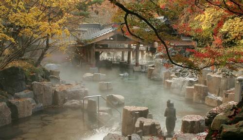 群馬の秘湯・宝川温泉 なぜ海外有名誌や歌手が絶賛するのか?
