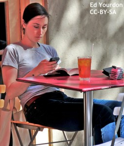 woman_phone