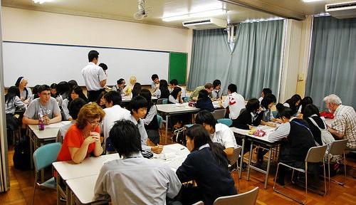 「教育界のオスカー賞」、英国の日本語教師が獲得 授業の魅力とは?