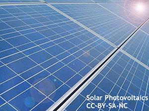 太陽光発電バブル崩壊? 再エネ買取制度、見直しへ 相次ぐ電力会社の買取中断も影響か