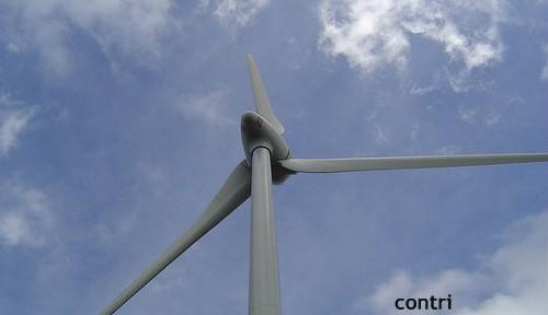 福島沖の風力発電所、運転開始 原発代替への期待も、海外紙は冷静な報道