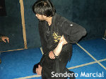 忍術学校が海外で人気 ナイフや瓶での攻撃も想定…実戦護身術として評価される