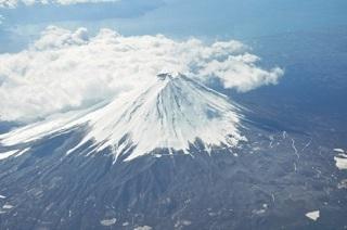 8/11は、新祝日「山の日」に 「働きすぎの日本人」には良いニュース、と海外の反応