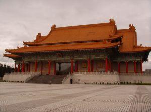 巧みな台湾の観光戦略 日本人には「若者向け」、中国人には「買い物」でアピール