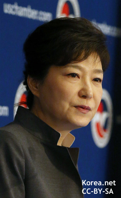 """""""強硬""""朴大統領に韓国識者が苦言 舛添都知事会談も、関係改善の兆し見えず"""