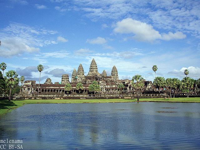 イオンモール、カンボジア初進出 国の平均年齢25歳、若年層向け設計が好評価