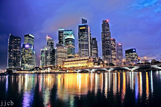 シンガポール建国50年、人権犠牲に奇跡的発展 台頭する「批評家階級」に海外注目