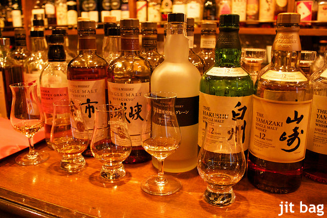 """""""なぜ日本のウイスキーは美味しい?"""" ブレンダー技術、四季の変化…英愛飲家分析"""