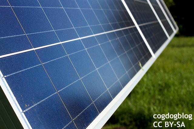 """想定甘い、日本の太陽光発電固定買取 """"ドイツの失敗活かせず""""と英誌"""
