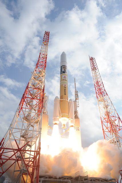 """「はやぶさ2」打ち上げ成功 生命の起源に迫る""""野心に満ちたミッション""""に世界が注目"""