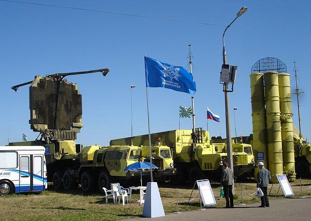 ロシアとイランが軍事協力へ…米国をけん制? イスラエルも警戒
