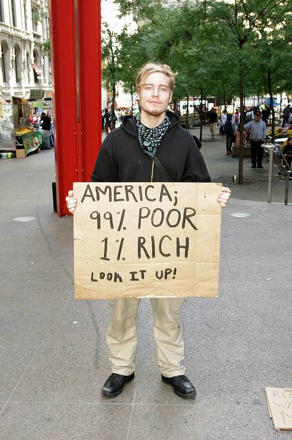 「世界上位80人の富、下位35億人とほぼ等しい」 英NGO発表 2010年より格差拡大傾向