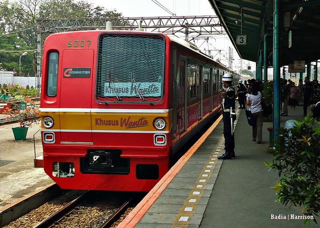 インドネシア高速鉄道、なぜ日本は敗れたのか?・後編 なりふり構わない中国