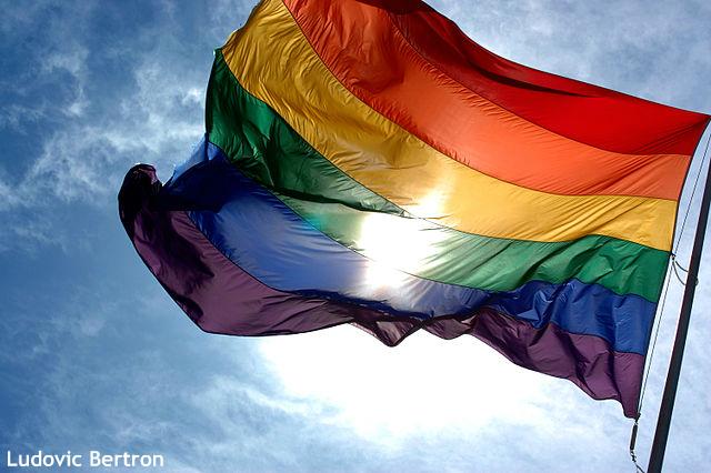 """米メディア""""同性婚認める憲法改正は?"""" 渋谷区の同性カップル条例受け、政府の動きに注目"""