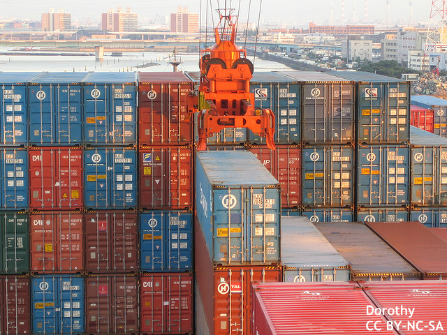 4月貿易収支、再び赤字も…輸出は予想上回る伸び 回復示す指標に投資家も注目