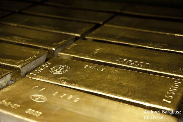 中国株バブル崩壊で金・石油価格急落 金の裏付けによる「人民元基軸通貨化」は夢?