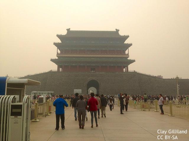 上海ディズニーの空を灰色にはできない?中国政府、周辺工場を閉鎖、対策に本腰