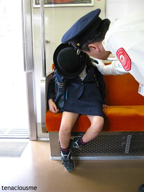 """6歳児が1人で電車通学!?"""" 海外が..."""