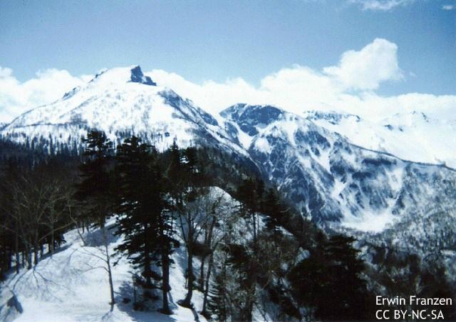 女性初のピオレドール受賞者の滑落死、海外メディアも追悼 難しい山での排泄問題
