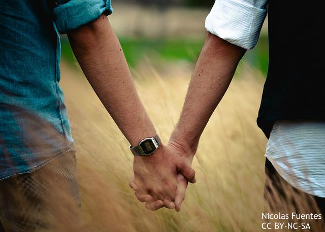 同性婚家庭には赤の他人の「第3の親」を加えるとよい? オランダが模索する家族の新形態