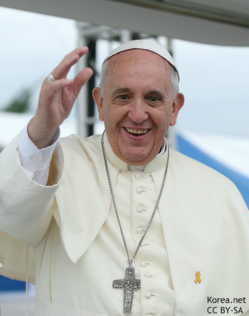 """法王の""""神聖なる自撮り""""が見られる! ローマ法王のインスタグラム開始に世界が大興奮"""