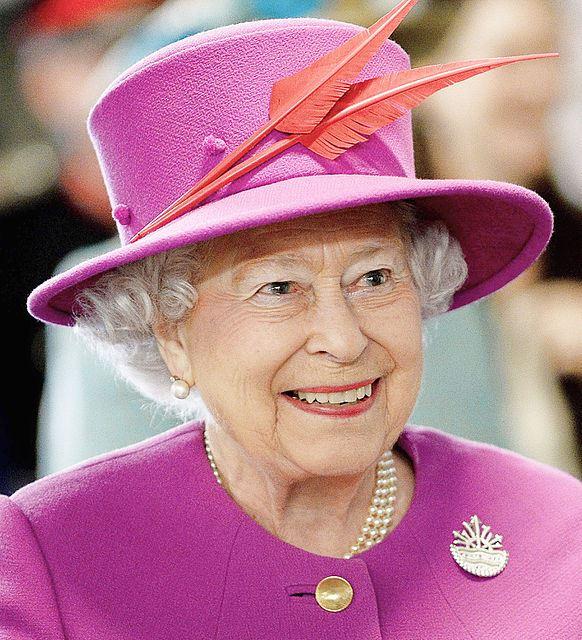 英女王の「中国高官は無礼」発言に見える英中関係の難しさ 中国の「無礼」の理由とは?