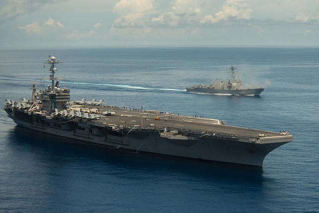 南シナ海問題:迫る仲裁判断、関係国の動き活発化 米軍、中国の強硬策を見越し空母派遣