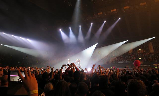 BABYMETALオランダ公演、往年メタラーも唸らせた神バンドの超絶演奏 プロ意識も絶賛