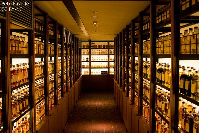 空前の日本産ウイスキーブーム、海外も気になる商品の枯渇…品薄は産業構造に問題あり?