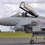 英、南シナ海に戦闘機、空母を派遣へ 豪も検討
