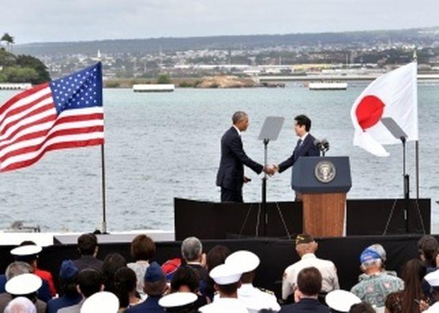 安倍首相の真珠湾慰霊、海外メディアはその狙いと成果をどう見たのか?
