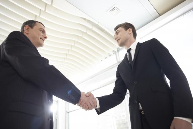4~5年で転職、キャリアアップのアメリカ人 米専門家が勧める「辞めるタイミング」とは