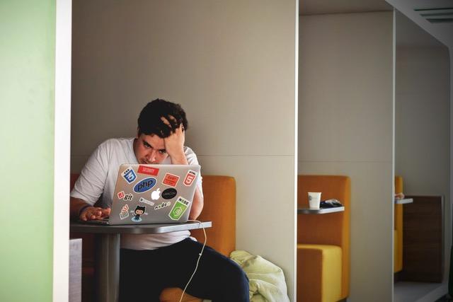 フレックスな働き方が私たちの労働を長時間化させる